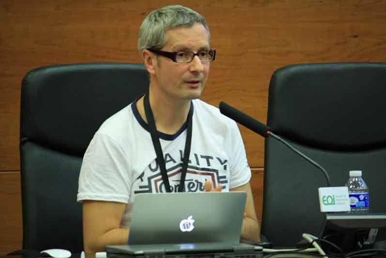 c1572c59821062c96d0fc33ad32a2983 L - Micro entrevista de emprendimiento a Franck Scipion